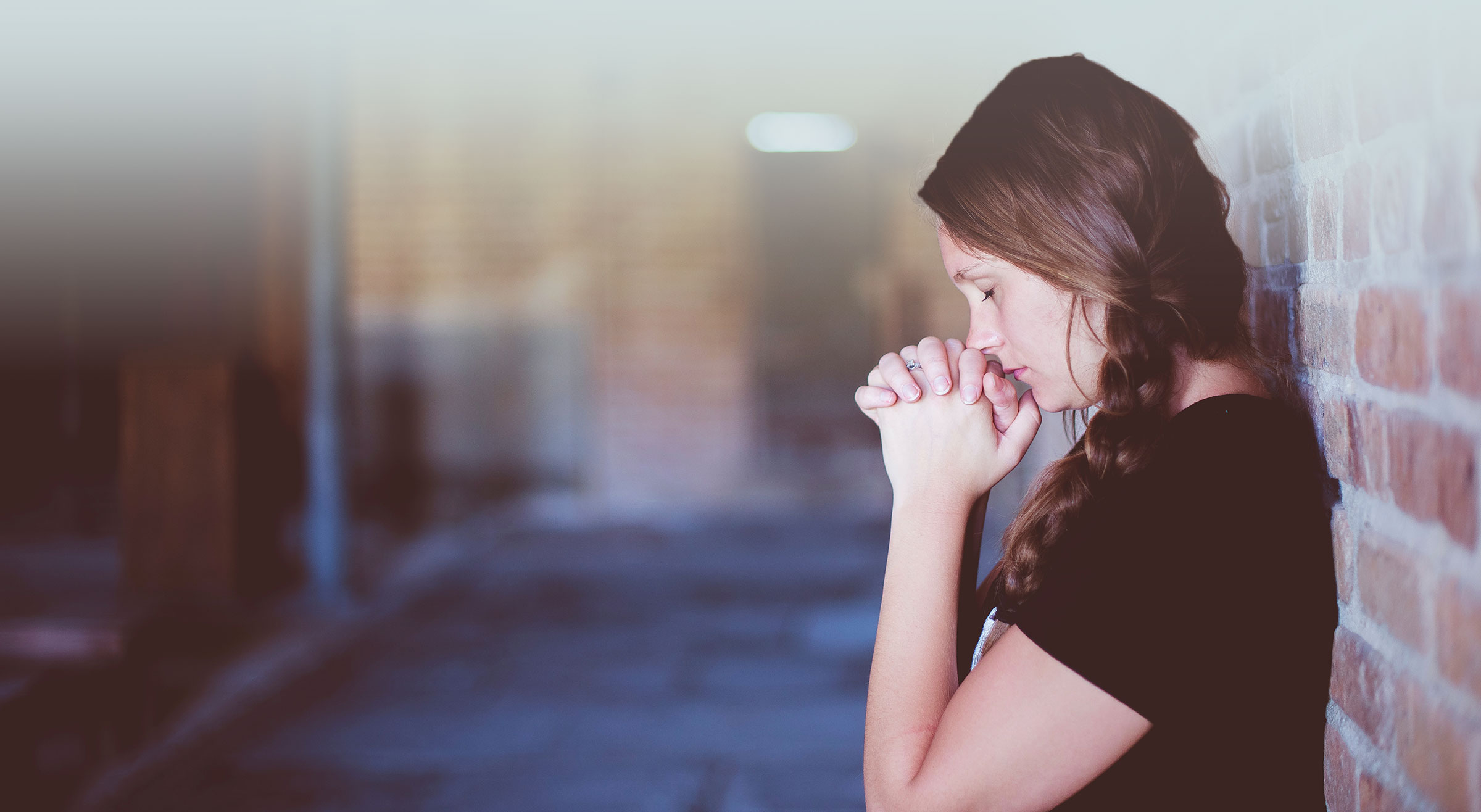 woman praying for help